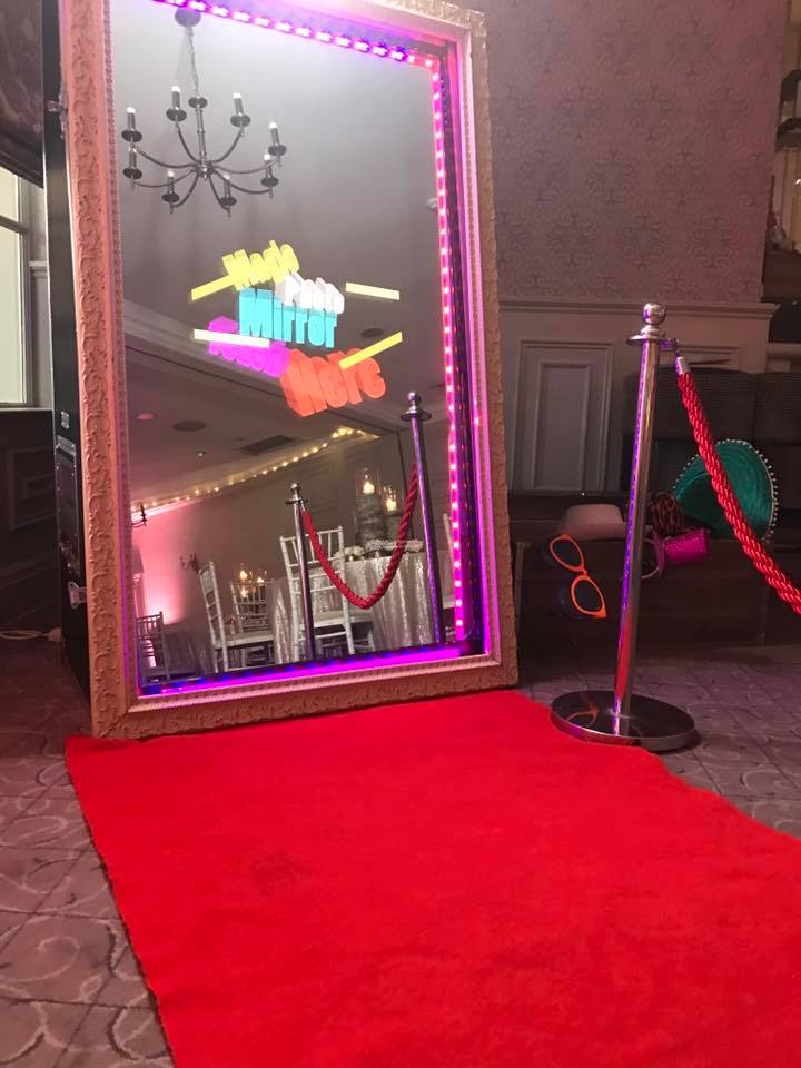 mirror photo booth hire liverpool